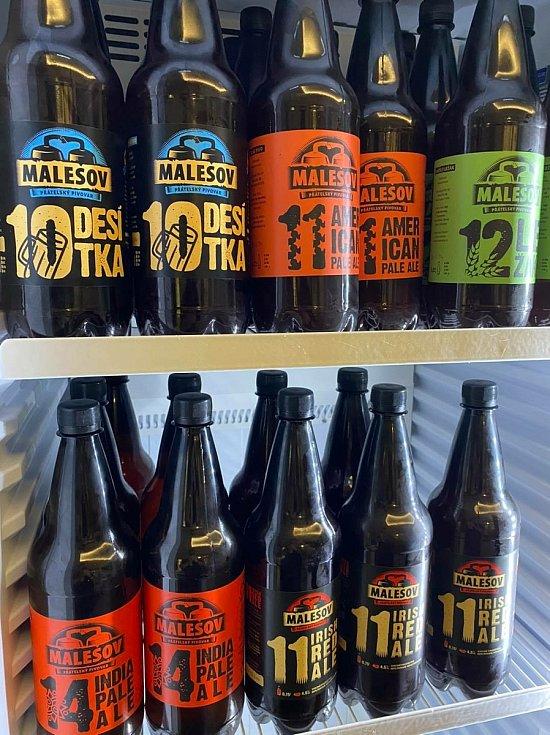 Láhvové pivo z Malešova.