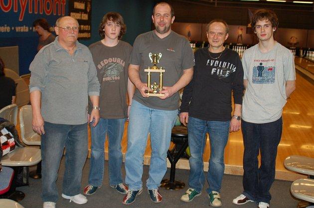 Zleva: 3. místo Vladimír Prchal, 4. místo Michal Kruliš, vítěz Tomáš Jelínek, 2. místo Jiří Kopecký, 5. místo Matěj Kopecký