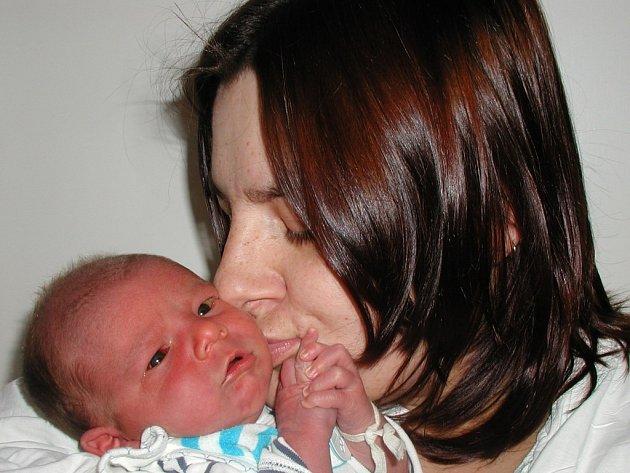 Milan Švec se narodil 18. února v Kutné Hoře. Vážil 3200 gramů a měřil 50 centimetrů. Domů do Sázavy si ho k bráškům Markovi a Miroslavovi odvezli maminka Miluše a tatínek Milan.