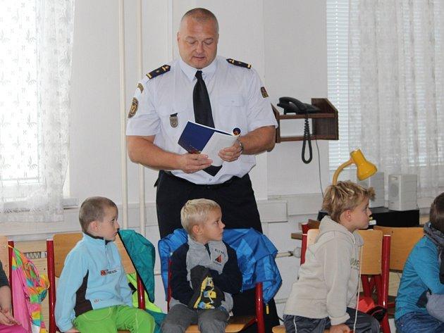 Hasiči četli v Kutné Hoře dětem, 13. 10. 2016