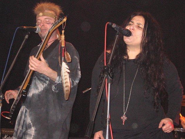 Koncert kutnohorské kapely Formace v místním klubu Alfa.