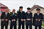 V Ratajích slavnostně uvedli do provozu nové vozidlo a přístavbu hasičské zbrojnice.