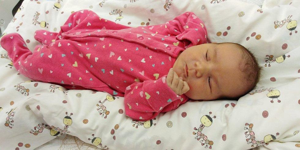 Eva Stolínová se narodila 26. listopadu 2020 v 10. 05 hodin v Čáslavi. Pyšnila se porodními mírami 4550 gramů a 53 centimetrů. Doma v Golčově Jeníkově se z ní těší maminka Jitka, tatínek Martin a její sourozenci.
