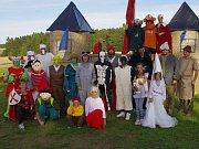 Pohádkové bytosti přivítají děti u rozhledny Bohdanka.