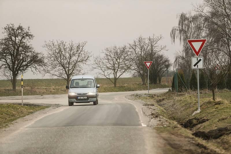Kudy by měla vést vysokorychlostní trať? Okolím křižovatky u Bedřichova.