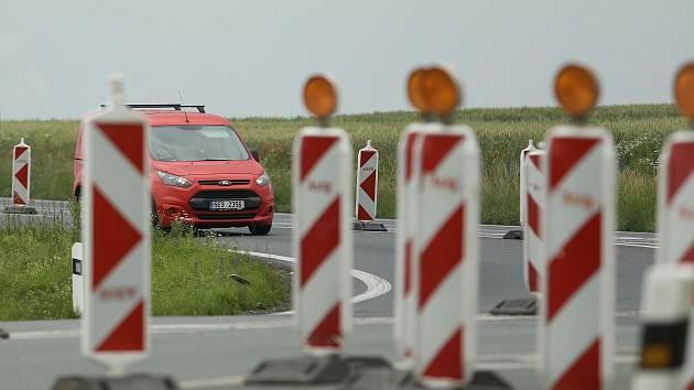 Dopravní omezení na obchvatu Čáslavi.