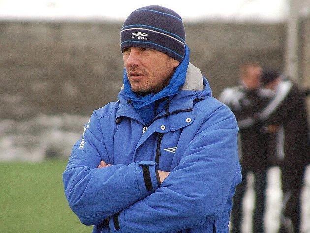 Trenér fotbalistů FC Zenit Čáslav Zdenko Frťala.