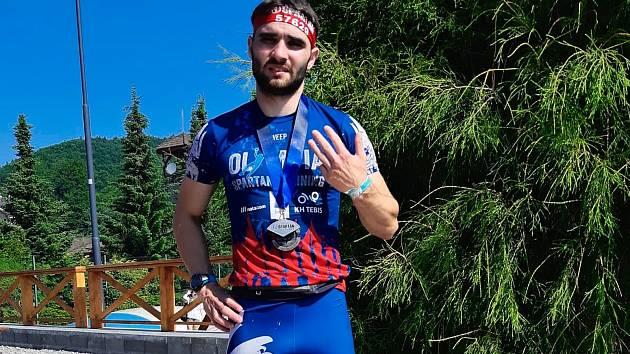 Spartan Jakub Vrbenský z Olympia Spartan Training Kutná Hora doběhl na Spartanu ve Valči desátý na Beastu a čtvrtý na Supru.