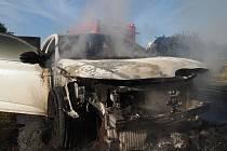 Požár auta u ČKD v Kutné Hoře.