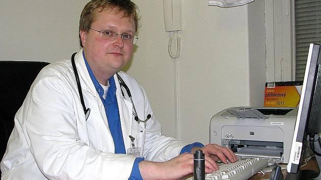 Primář Zdeněk Heřmánek.
