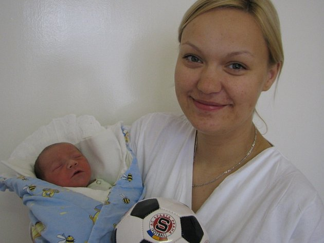 Tadeášek Hulman se narodil 7. dubna v Kutné Hoře. Vážil 3220 gramů a měřil 50 centimetrů. Domů do Žandova si  ho odvezli maminka  Věra a tatínek Petr.