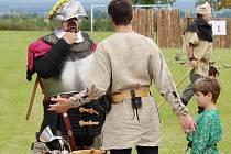 Hřiště v Semtěši se proměnilo v husitské bojiště