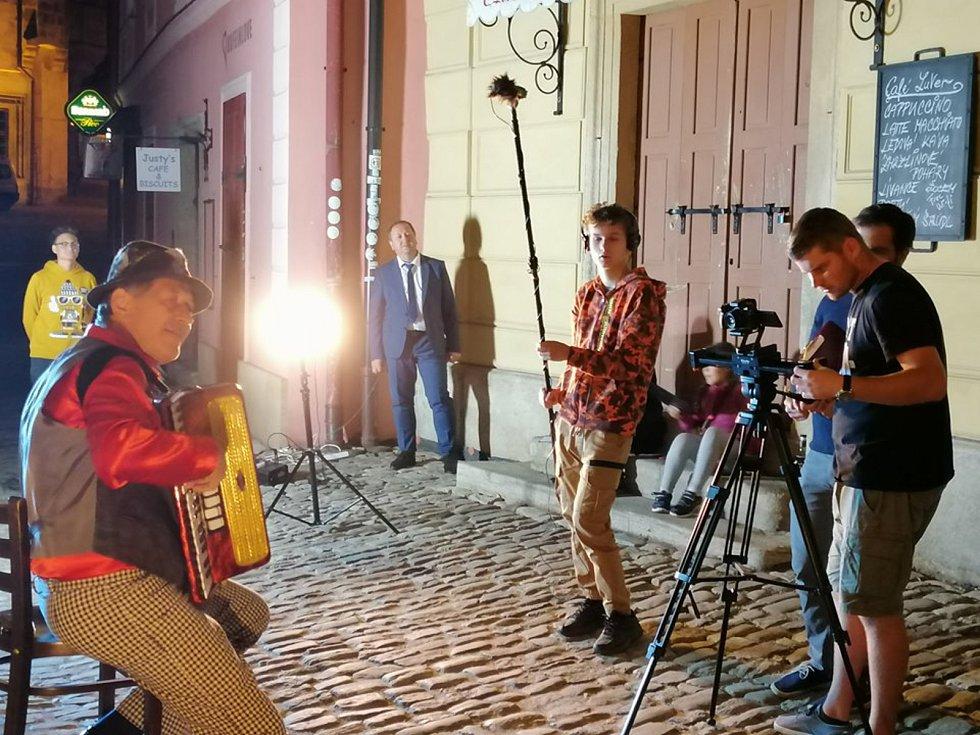 Z natáčení studentského filmu 'Něco si přej' v Kutné Hoře.