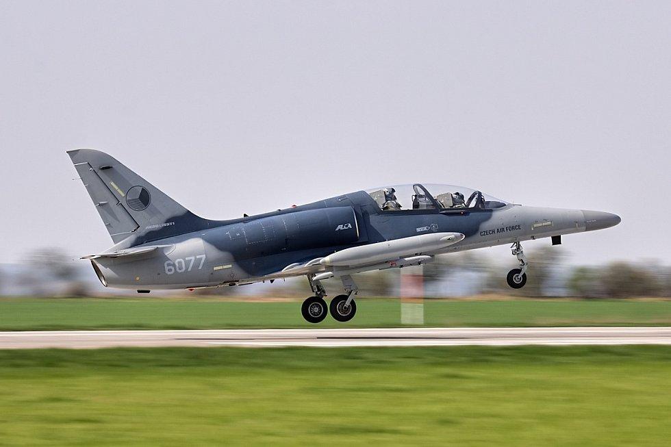 Dvoumístný letoun L-159 ALCA.
