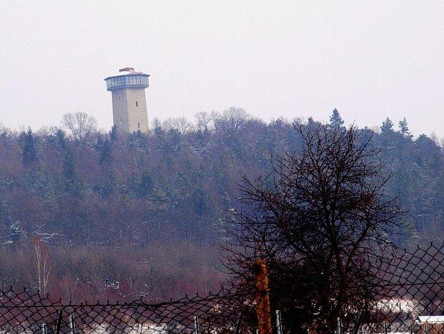 Rozhledna na Kaňku je zatím prázdná. Otevřena bude 30. dubna