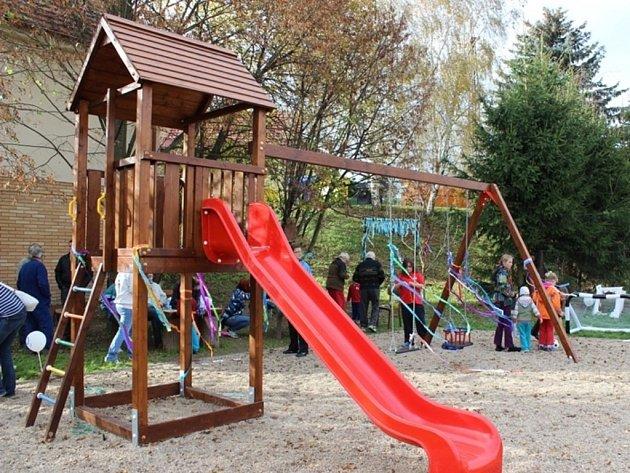 Otevření dětského hřiště ve Vodrantech.