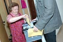 Volby v kutnohorském Domově s pečovatelskou službou. 15.10.2010