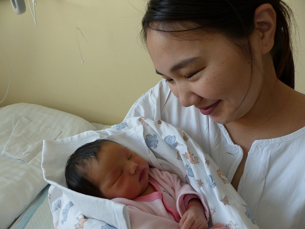 Ekhlen Batdulguun se narodila 18. ledna 2021 v kolínské porodnici, vážila 3505 g a měřila 50 cm. Ve Zruči nad Sázavou se z ní těší maminka Tsetsgee a tatínek Tserendorj.