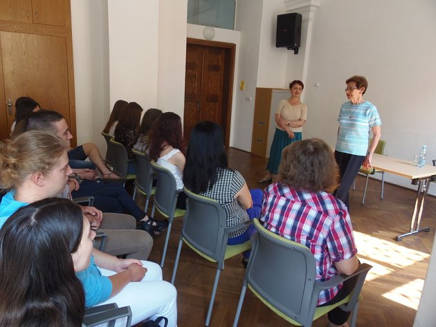 Beseda s Dagmar Lieblovou na Církevním gymnáziu