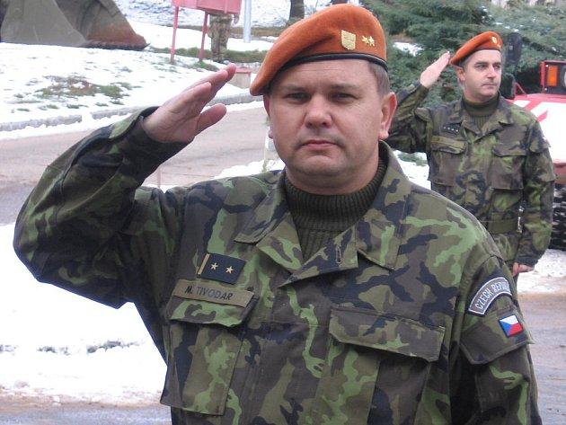 Slavnostní nástup k předání funkce velitele útvaru - Michal Tivodar.