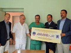Nemocnice Čáslav dostala šek na sto dvacet tisíc korun