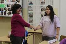 Program Učíme se spolu byl zakončen předáváním osvědčení o absolvování