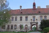 Zámek v Ratajích nad Sázavou.