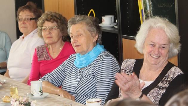 Děti z MŠ Benešova 7 zazpívaly v kutnohorském Klubu seniorů.