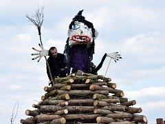 V Čáslavi zahrála na pálení čarodějnic skupina Argema.