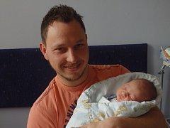 Matěj Kursch se narodil 10. března v Čáslavi. Vážil 3450 gramů a měřil 49 centimetrů. Doma ve Žlebech ho přivítali maminka Tereza a tatínek Michal.