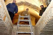 Otevření krypty v sedlecké Kostnici. 26.1.2011