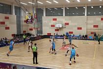 Extraligový basketbal v Kutné Hoře: Nymburk - Olomoucko 105:83.