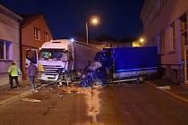 U dopravní nehody dodávky a nákladního automobilu zasahovaly jednotky HZS Čáslav a Kutná Hora.
