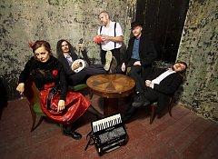 Kapela Lakuna zahraje v pátek 4. srpna od 20:00 na zahradě restaurantu Dačický v Kutné Hoře.
