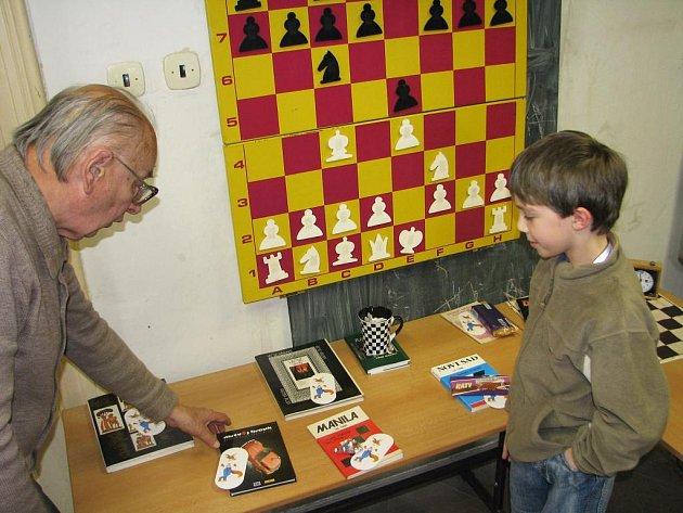 Šachový kroužek v Dominiku má staronového velmistra