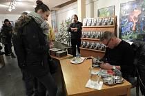 Zbigniew Czendlik podepisoval v Kutné Hoře svou knihu