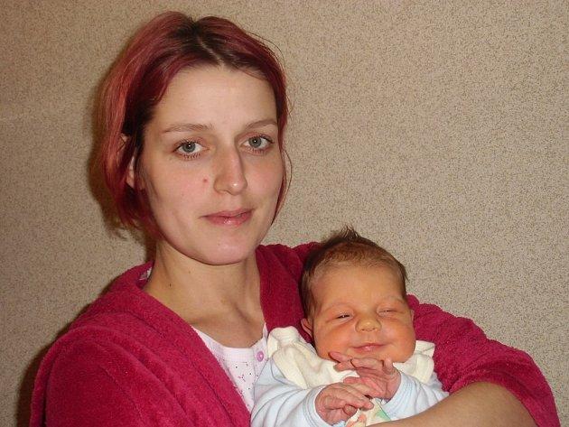 Tobiáš Fečák se narodil 31. prosince v Čáslavi. Vážil 4250 gramů a měřil 53 centimetrů. Doma ve Vinařích ho přivítali maminka Sylvie a tatínek Martin.