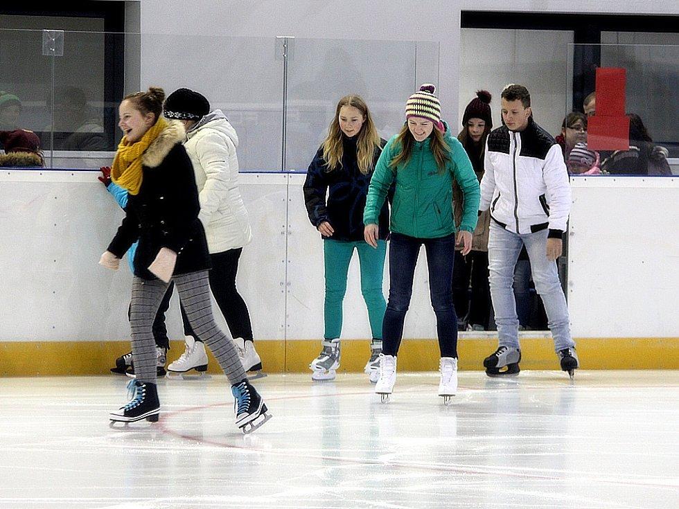 Zimní stadion v Čáslavi byl slavnostně otevřen poslední adventní neděli