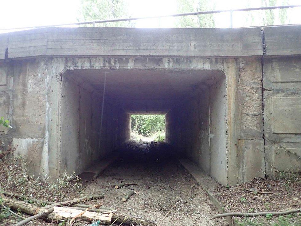 Most přes Pekelský potok.