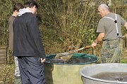 V sobotu 20. října vylovili členové Místní organizace českého rybářského svazu v Kácově jeden ze svých rybochovných rybníčků a uspořádali tradiční rybářské slavnosti.