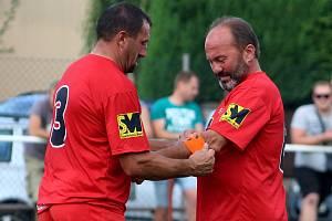 Fotbalisté Červených Janovic Vladimír Bouma (vlevo) a Josef Víta.