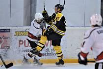 V krajské hokejové lize porazili Čáslavští kuntohorské Sršně 9:4.