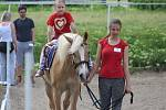 Den s koňmi si užily děti v Jízdárně Karlov.