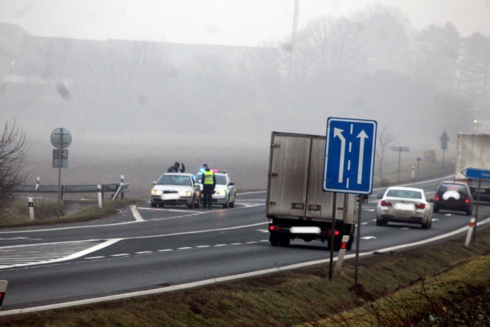Kontrola Policie ČR na hranici okresů Kutná Hora a Kolín na silnici I/38 pod Kaňkem.