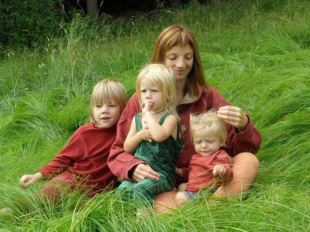 Lucie Groverová s dětmi.