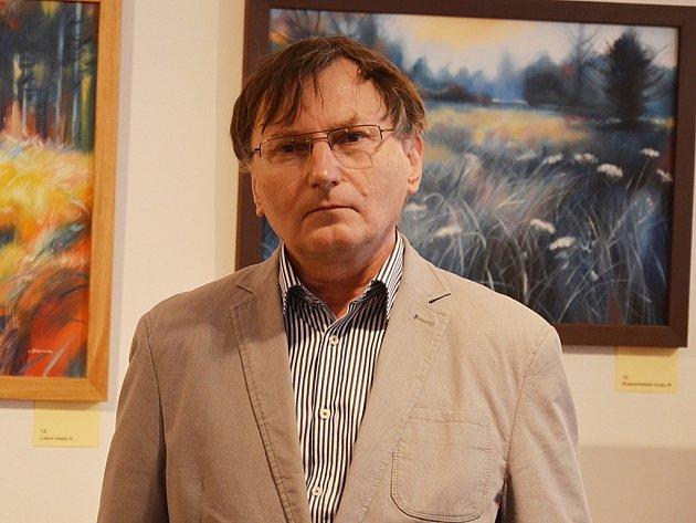 Ladislav Červinka zahájil slavnostní vernisáží výstavu obrazů ve Spolkovém domě