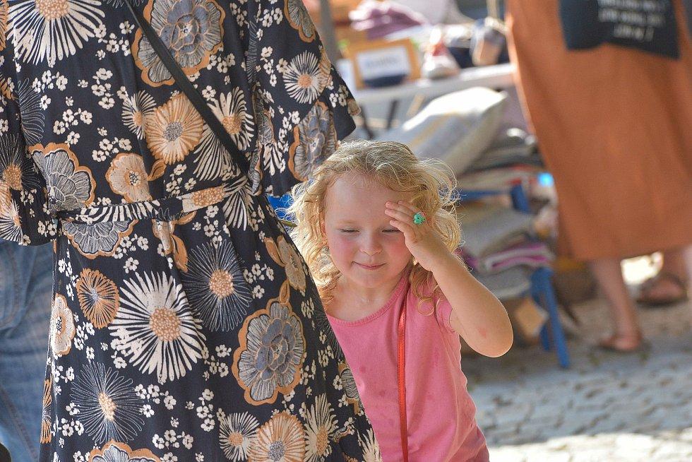 V neděli se konal na Palackého náměstí v Kutné Hoře první ročník trhu řemeslných výrobků.