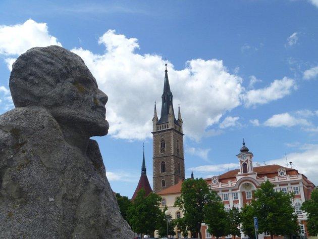 Vladimír Havlíček zachytil sochy na čáslavském náměstí. Sochy byly nalezeny poničené v devadesátých letech, zrestaurovány a nainstalovány na čáslavské náměstí Jana Žižky z Trocnova. Nejdříve před budovu radnice, po několika letech našly místo u kašny.