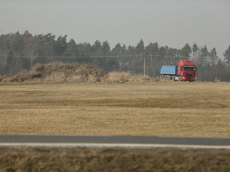 Kudy by měla vést vysokorychlostní trať? Okolím Lán a Lomečku.