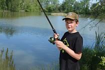 U jezera Katlov si děti užily den plný zábavy.